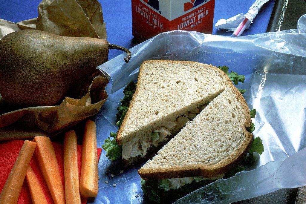 Mangez des sandwiches végétariens